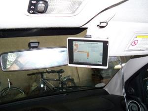 Navgear Navigationssystem Halter für Sonnenblenden (Foto: juergenlueck.com)